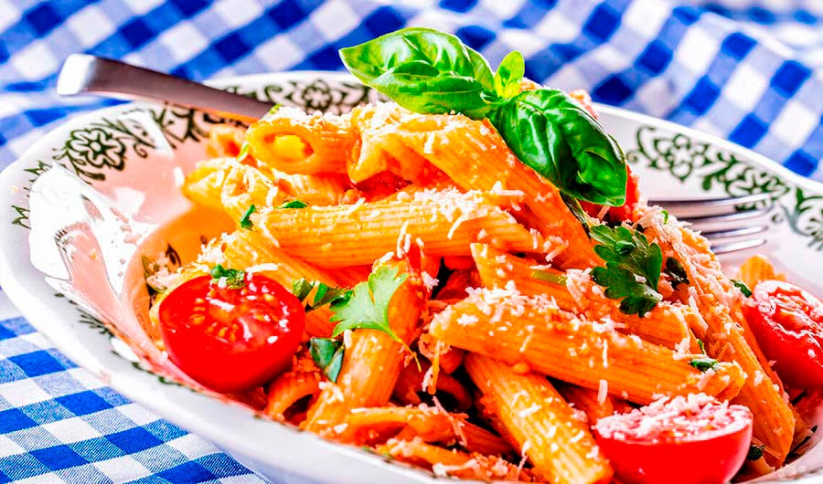 Macarrones con salsa picante