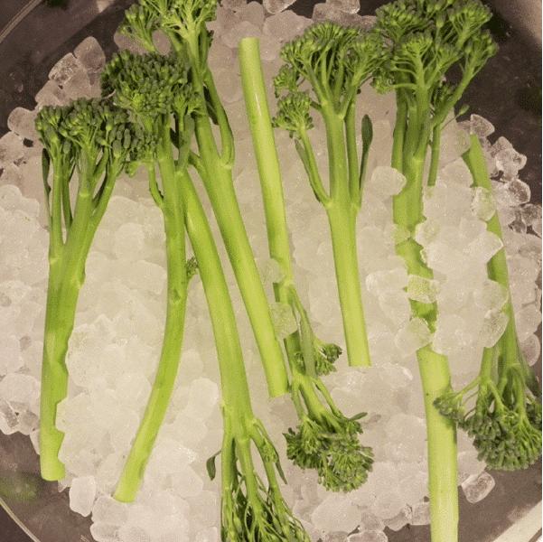 bimi verdura parecida al brocoli
