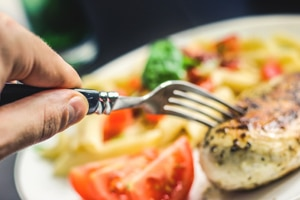 The Mediterranean Diet reduces the risk of erectile dysfunction