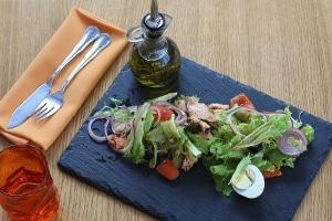 Las Guías Dietéticas Americanas incluyen la Dieta Mediterránea, basada en el aceite de oliva, como patrón de alimentación saludable