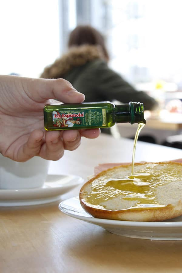 botellitas de aceite de oliva